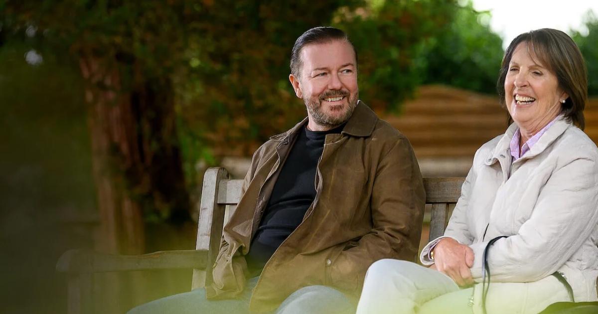 ricky gervais è con la sua amica con cui condivide le riflessioni quando va al cimitero a trovare la moglie defunta - nerdface