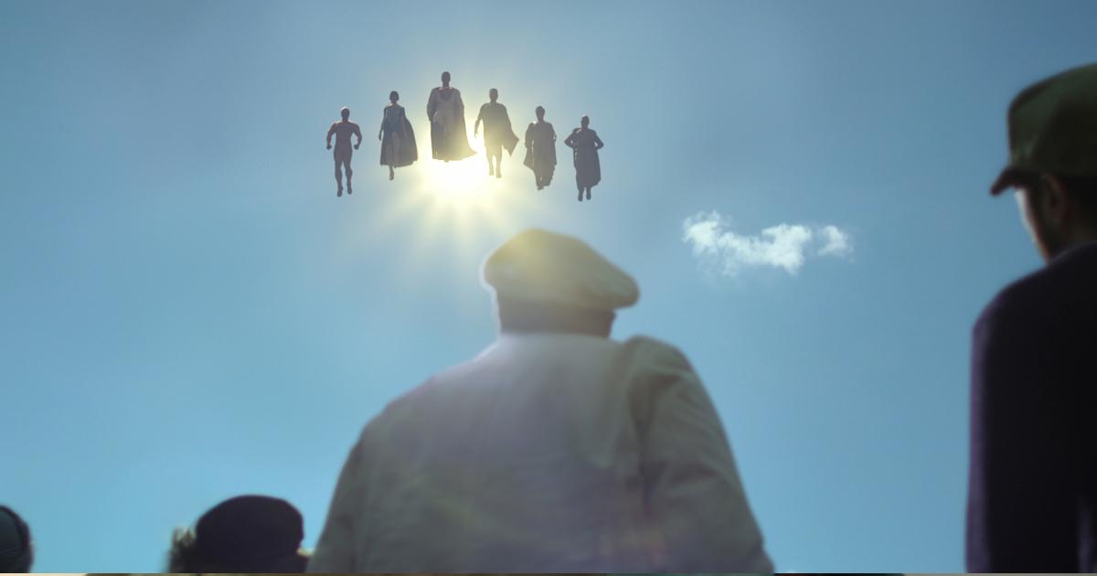sei nuovi supereroi si stagliano nel cielo mentre alcune persone li guardano dal basso - nerdface
