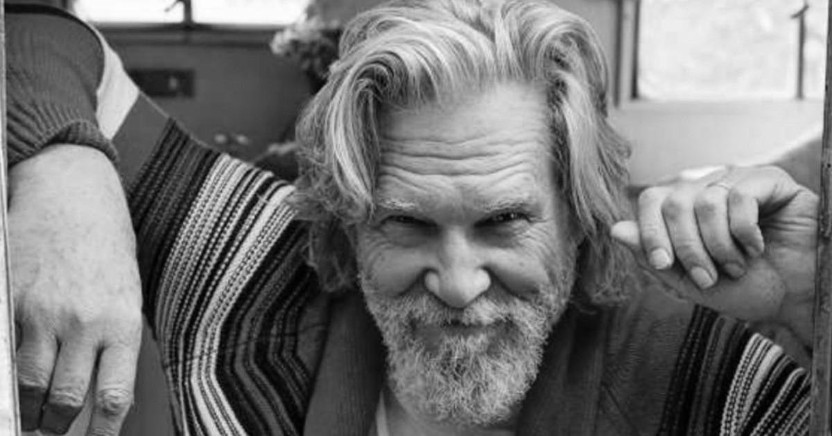Primo piano di Jeff Bridges sorridente - nerdface