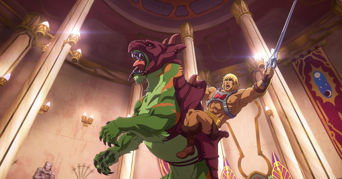he-man brandisce la sua spada mentre è in sella a battle cat - nerdface