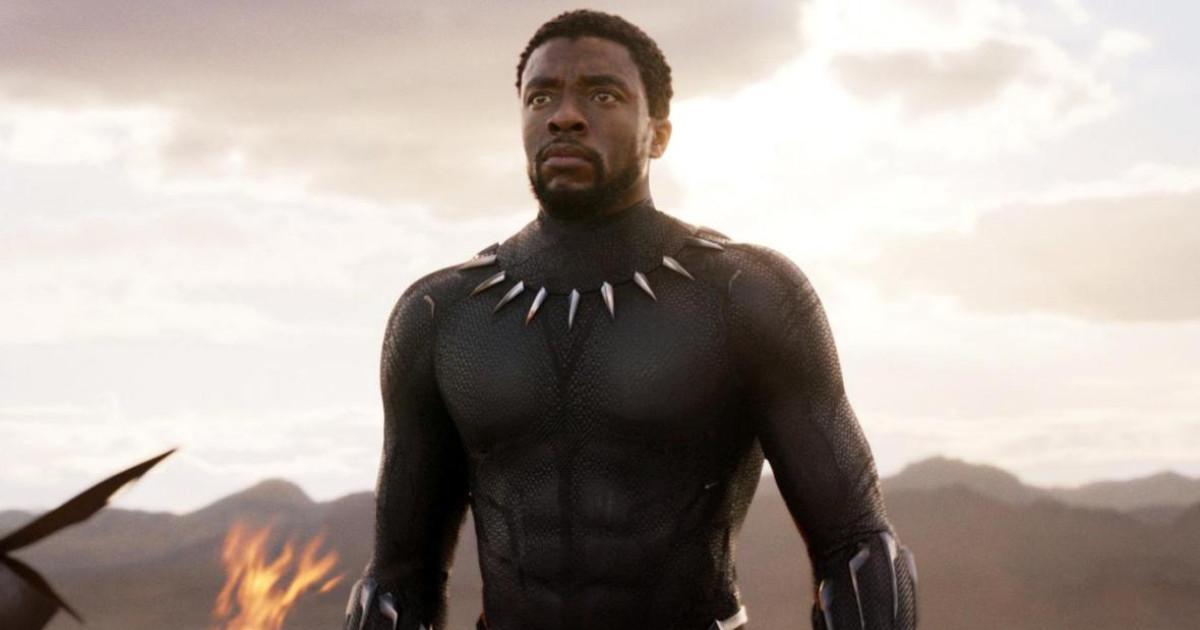 Un primo piano di T'Challa nei panni di Black Panther - nerdface