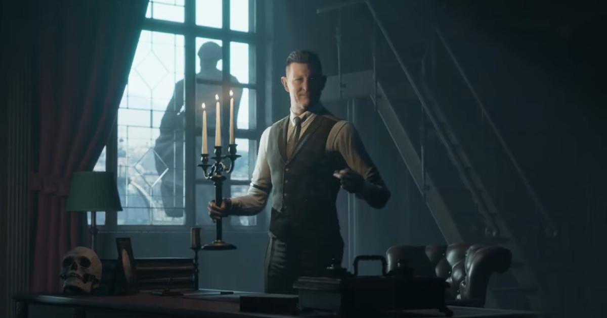 Un uomo con un candelabro in mano vicino a una finestra - nerdface