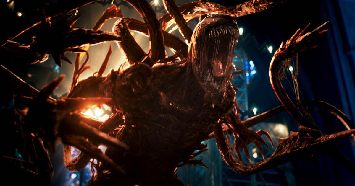 carnage sta urlando contro qualcuno e dal suoi corpo escono diversi tentacoli - nerdface