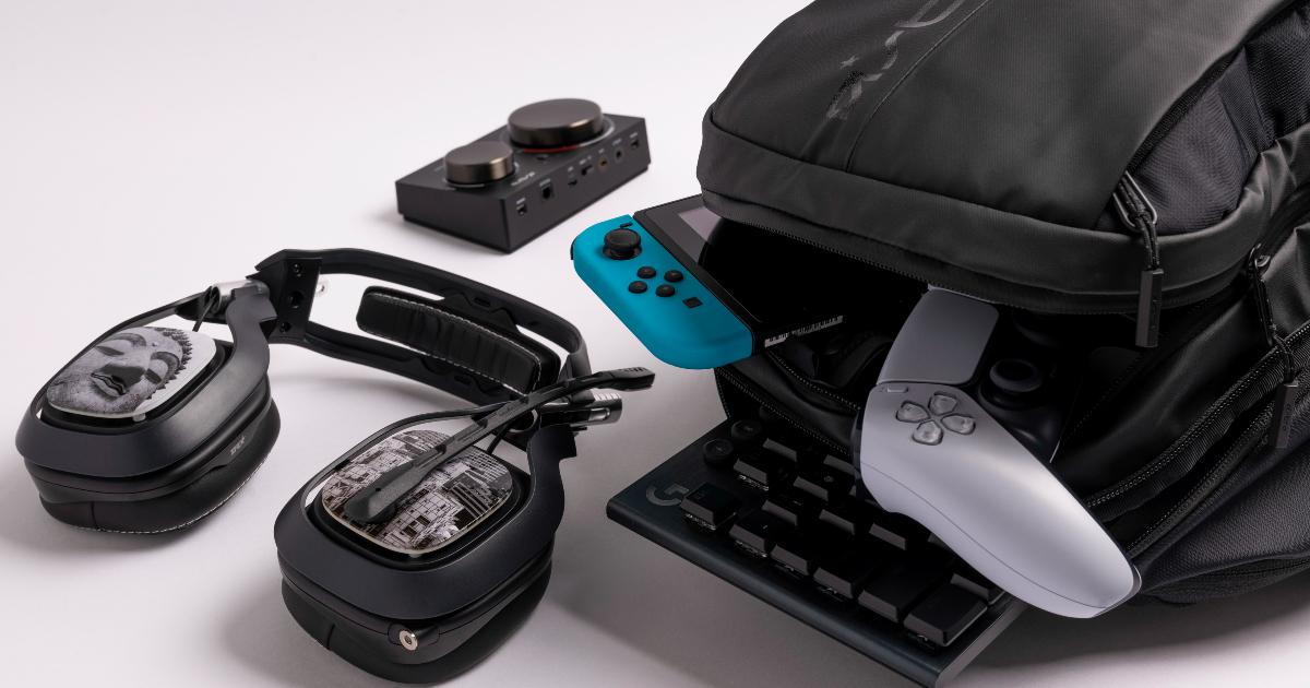 lo zaino bp35 è aperrto e lascia intravedere la quantità di hardware che può contenere in sicurezza - nerdface
