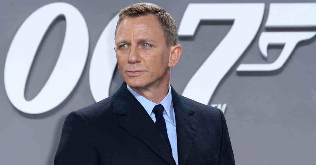 Primo piano di Daniel Craig - nerdface
