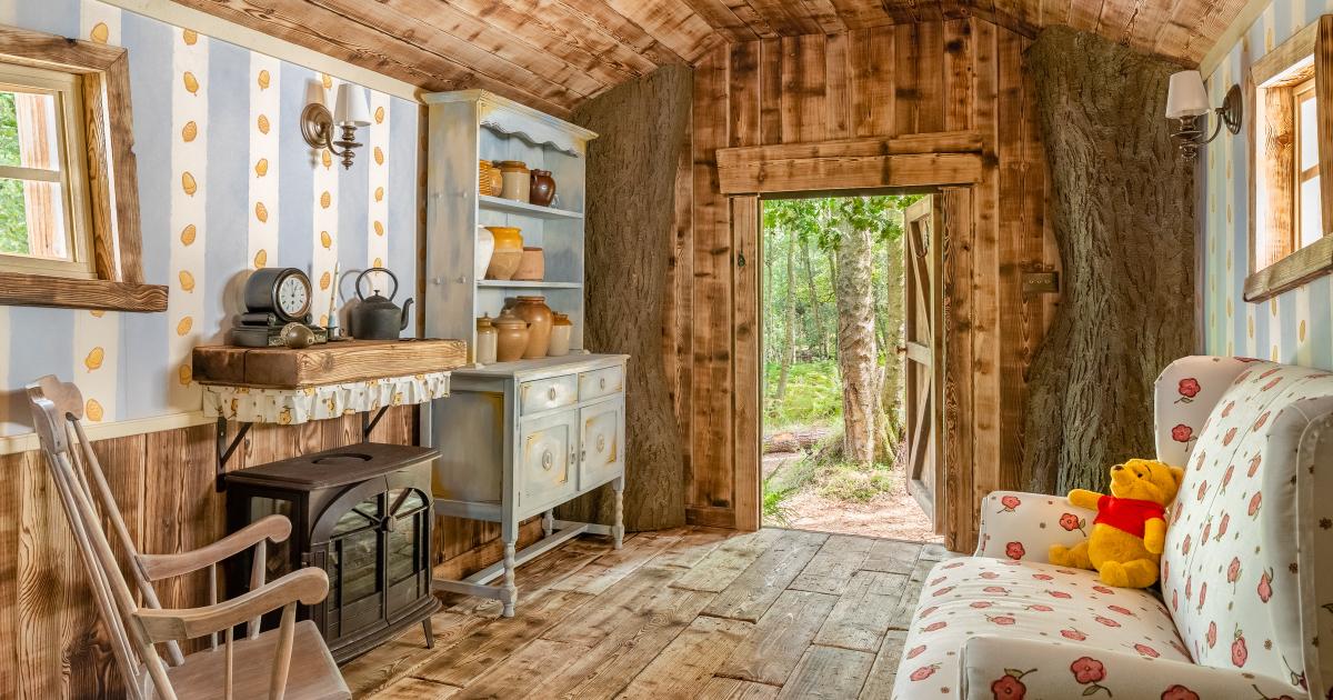 l'interno pucciosissimo della casa di winnie the pohh disponibile su airbnb - nerdface