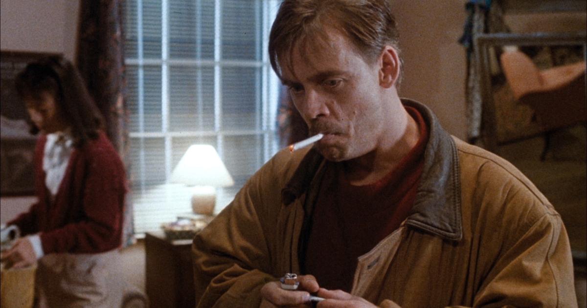 mark hamill si accende una sigaretta in guyver - nerdface