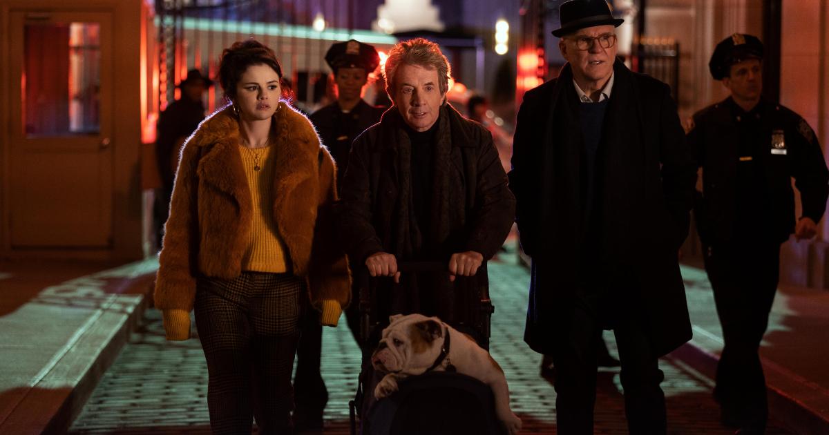 i tre protagonisti arrivano sulla scena del crimine, il loro palazzo - nerdface
