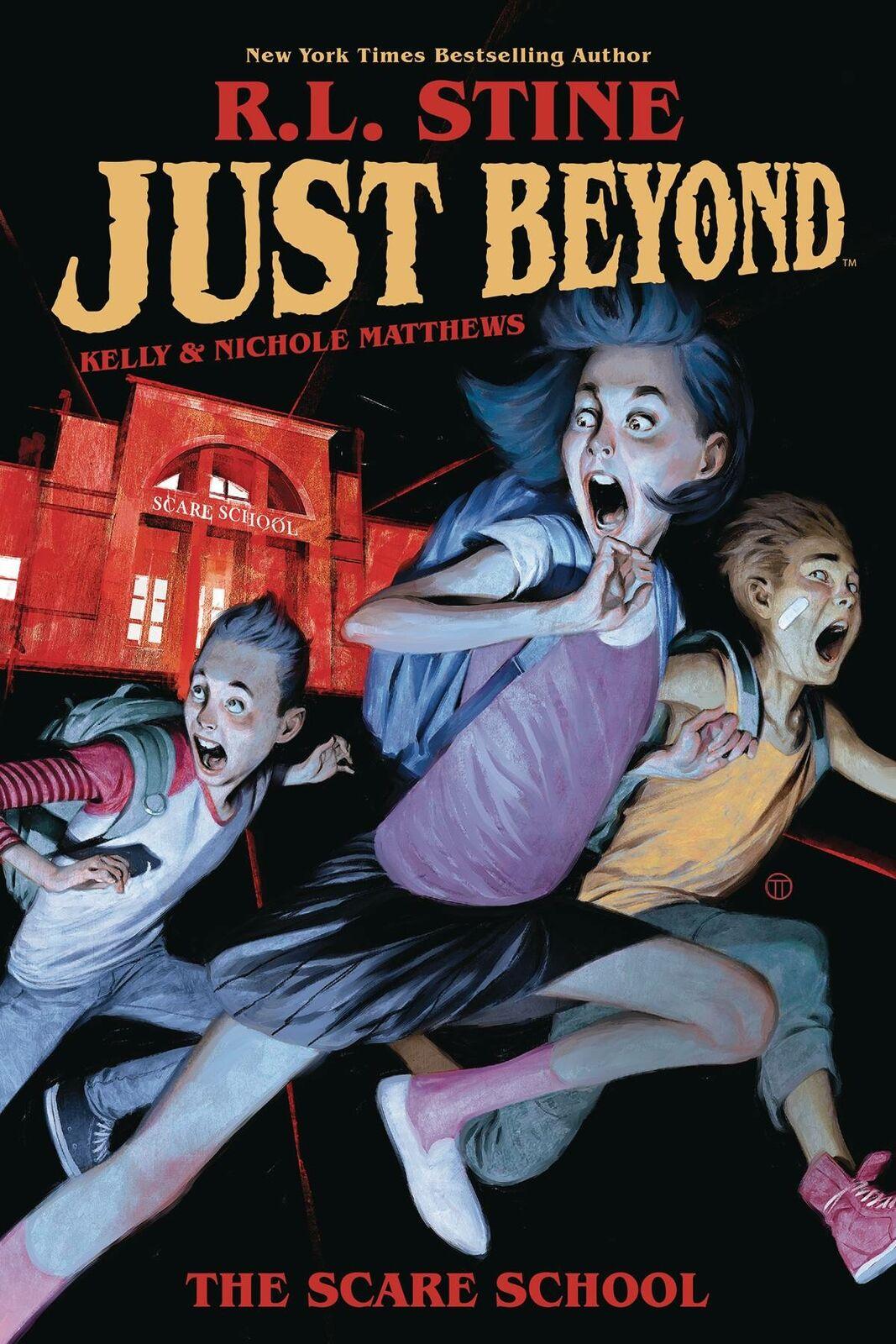 la copertina di uno dei libri di stine vede tre ragazzi fuggire terrorizzati da scuola - nerdface